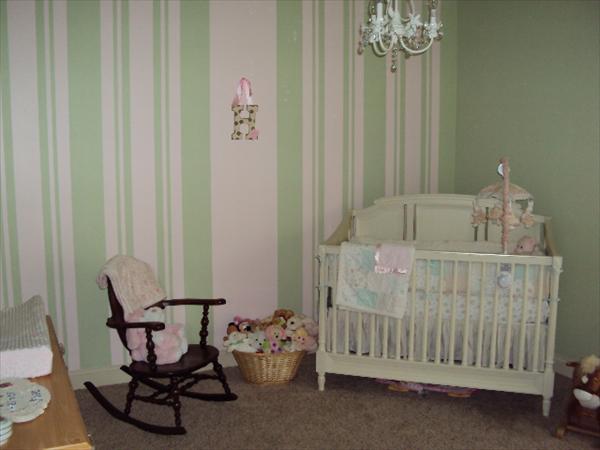 Camerette Per Neonati Rosa : Dolci idee per le camerette dei bambini in shabby chic