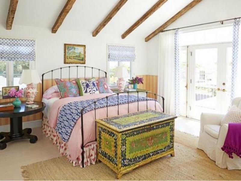 Lo shabby chic colorato: le foto di un dolce cottage