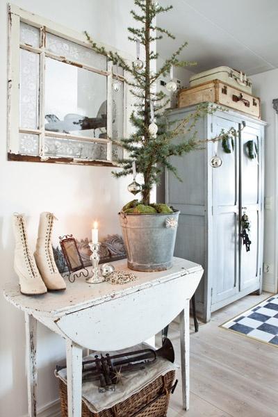 gli interni delle case scandinave arredate per natale