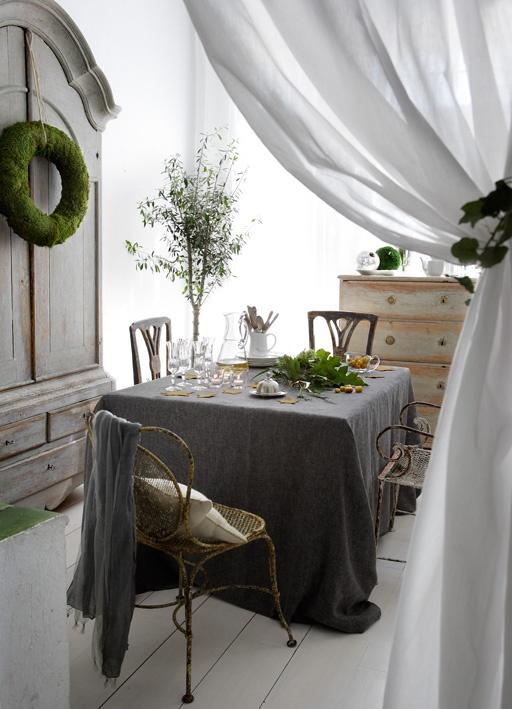 Sala da pranzo shabby tra il grigio e il verde - Sale da pranzo shabby ...