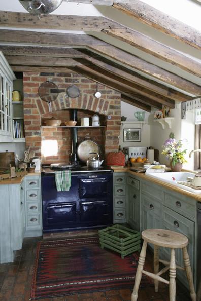 Cucine rustiche in stile shabby chic 30 modelli da sogno foto for English cottage kitchen designs