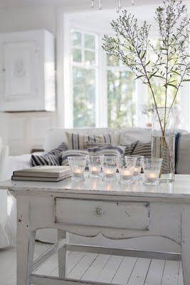 Salotto con candele minimal chic arredamento shabby for Arredamento minimal chic