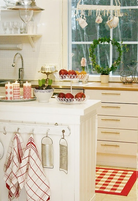 24 cucine shabby addobbate per Natale ( FOTO )