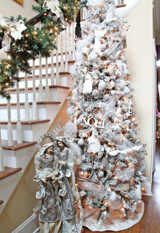 Albero di natale effetto ghiacciato come creare la neve - Rami secchi decorativi dove comprarli ...