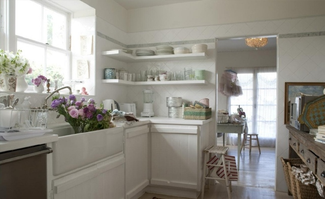 Cucine shabby chic total white: 25 modelli da sogno
