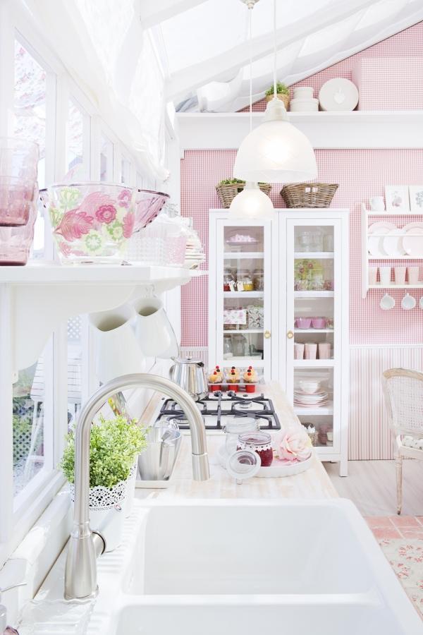 Arredi ikea in rosa e bianco ecco la casa da sogno shabby - Cocina rosa ikea ...