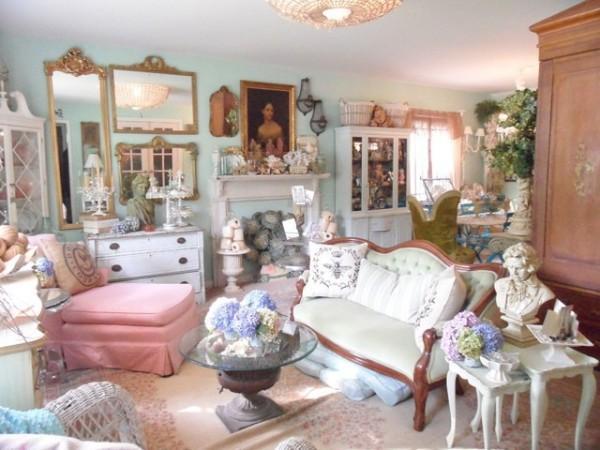 Come rendere indimenticabilmente shabby il tuo soggiorno for Salotti colorati
