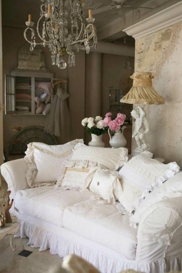 Salotto shabby con divano total white arredamento shabby - Divano letto shabby ...