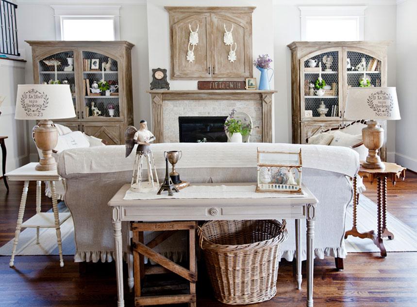 Salotto in stile gustaviano con accenti shabby for Arredamento stile shabby