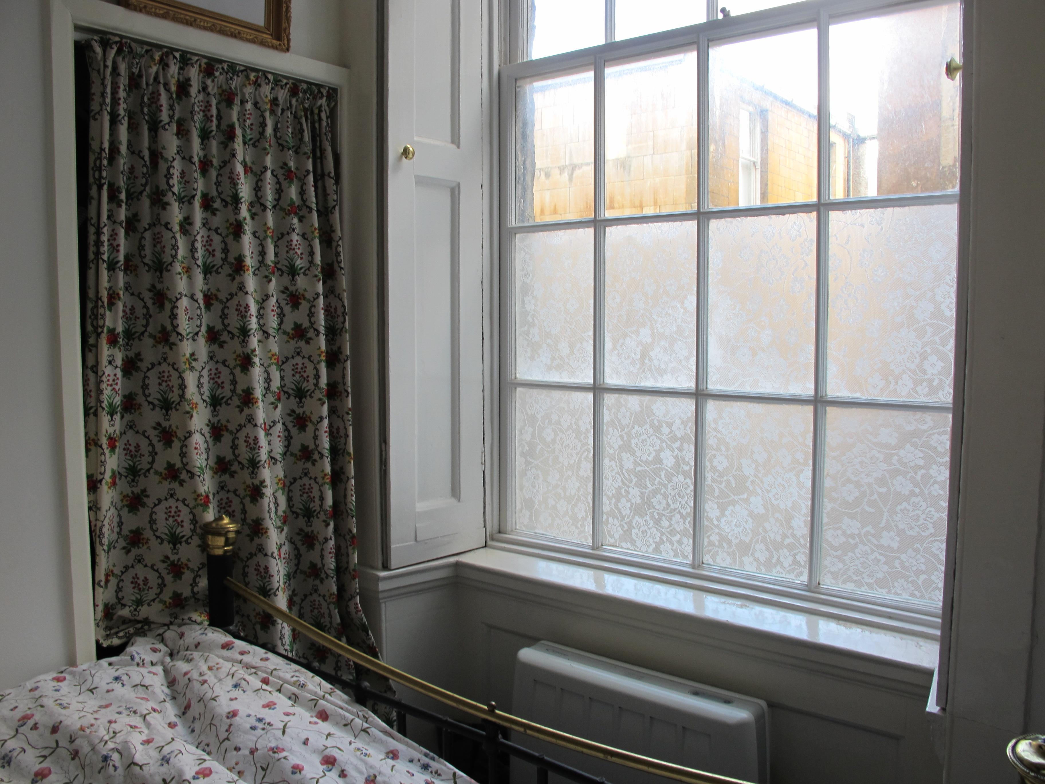 Come decorare le finestre col pizzo ikea progetto economico - La casa con le finestre che ridono ...