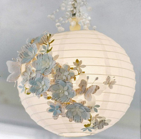 Come decorare una lanterna di carta in stile shabby chic