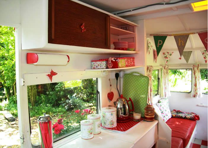 Idee Per Interni Roulotte : Caravan in stile shabby chic foto