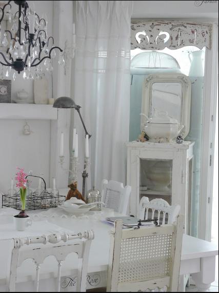 Ecco com 39 una casa arredata completamente di bianco - Antifurti per la casa ...