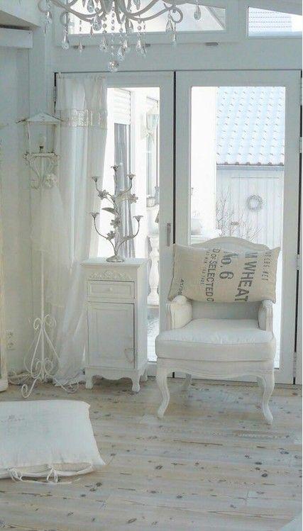 Matrimonio Shabby Chic Total White : Immagini shabby chic quando a parlare è il total white