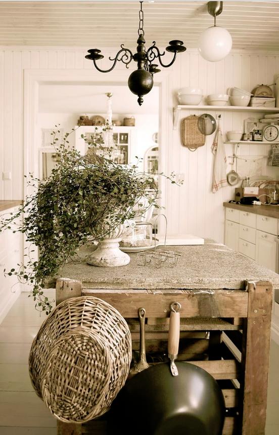 Lampadari shabby: idee e consigli per la tua casa