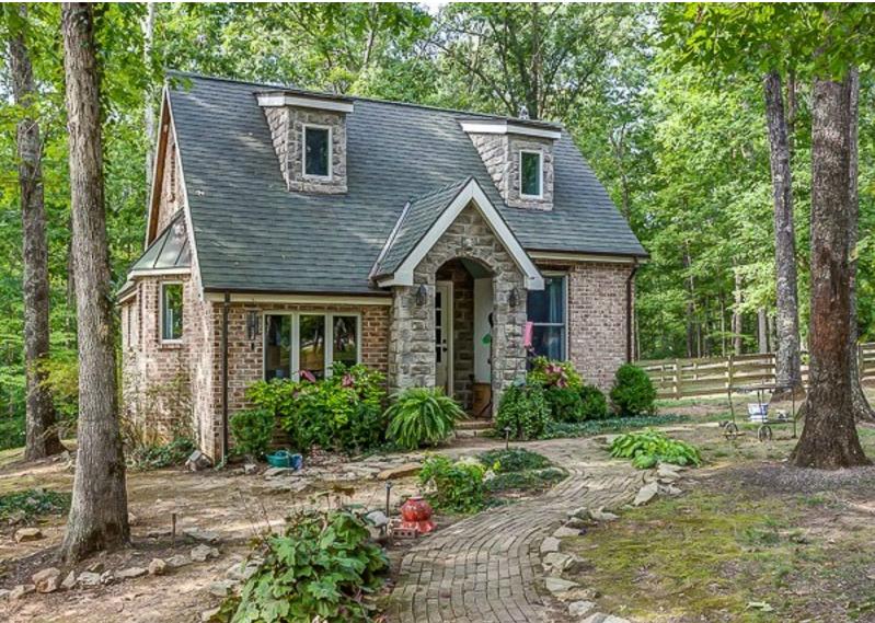 Country chic ecco come sarah ha arredato il suo cottage for Case modulari in stile bungalow