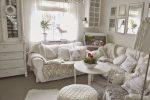 Shabby home: quando il tuo spazio diventa glamour salotto total white
