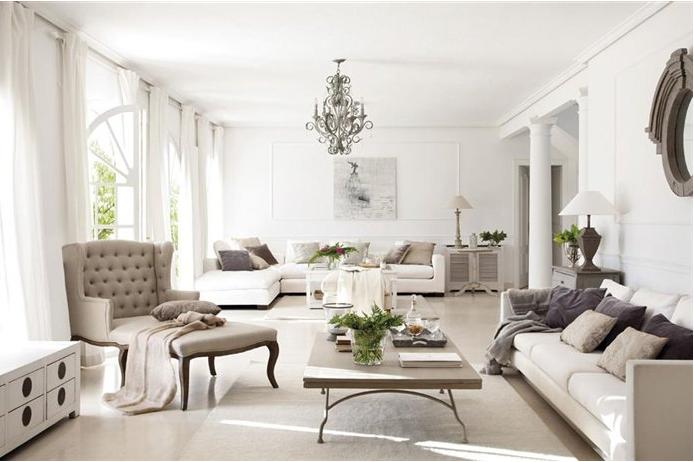 Lo stile di arredo di una casa a madrid ai mobili for Una storia piani di casa di campagna francese