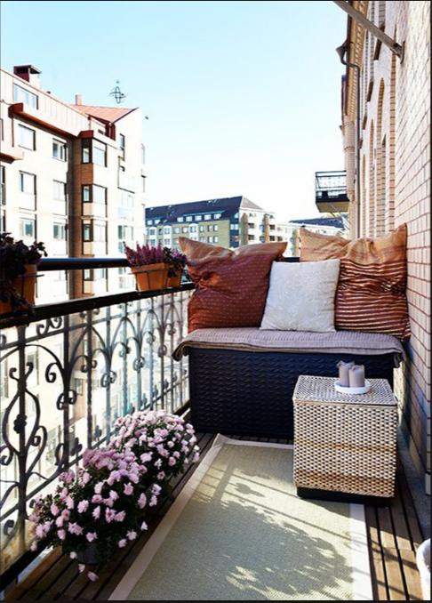 Come arredare un terrazzo piccolo ispirandoti allo shabby