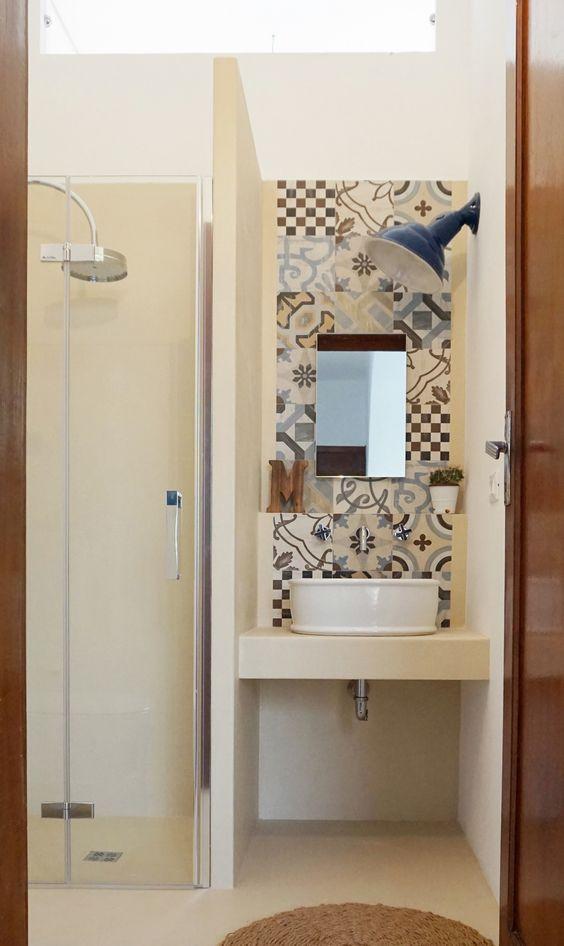 13 idee geniali per un piccolo bagno guarda queste foto e - Bagno piccolissimo misure ...