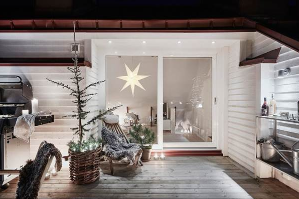 Come decorare i balconi per Natale: 7 idee per stupire [FOTO]