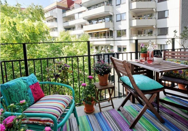 Arredi Per Piccoli Balconi : Come trasformare un piccolo balcone in un regno shabby