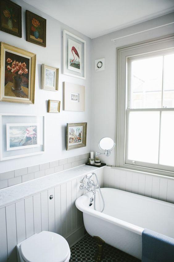 Boiserie in bagno di legno: perfetta nella zona della casa più umida