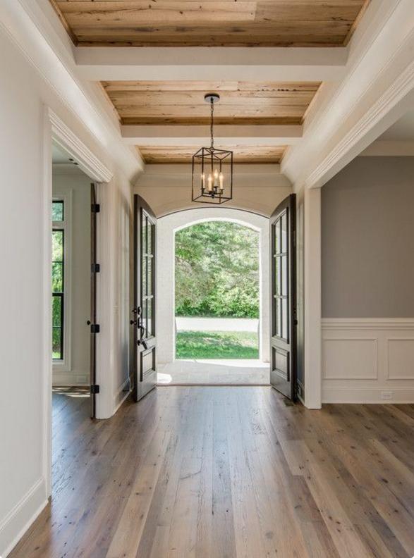 Scegli la boiserie in legno bianco per la tua casa in for Costruisci la tua casa in california