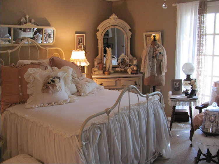 http://arredamentoshabby.it/wp-content/uploads/camera-letto-shabby-chic-specchiera.png