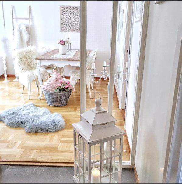 La casa shabby di sanna arredata in total white e rosa ho comprato moltissime cose da ikea - Cose belle per la casa ...