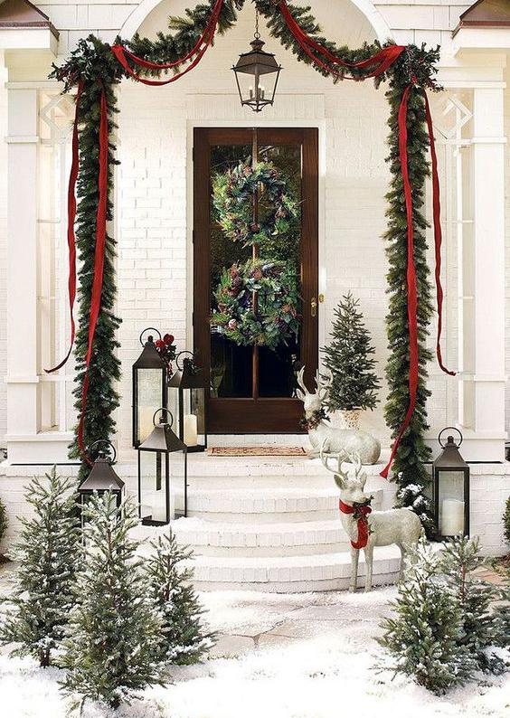 Come addobbare le porte per natale in stile shabby - Ghirlande per porte natalizie ...