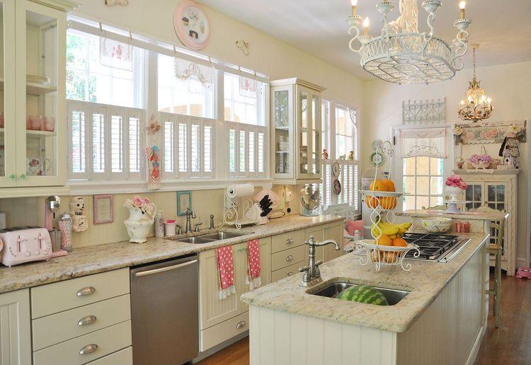 subito dopo le foto abbiamo elencato i consigli di jennifer su come trasformare e rivoluzionare la cucina in stile shabby