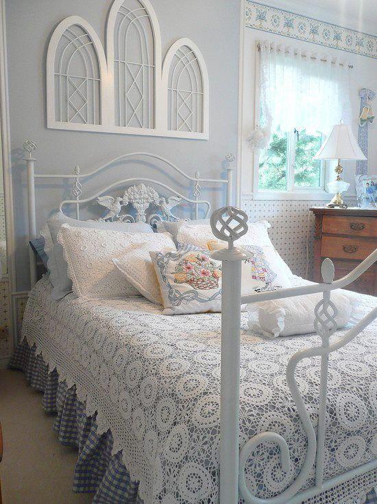 finestra sahbby camera da letto