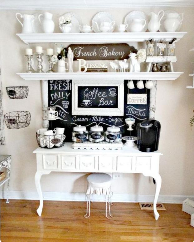 Lasciati ispirare dai colori shabby per creare pareti for Pareti bianco perla