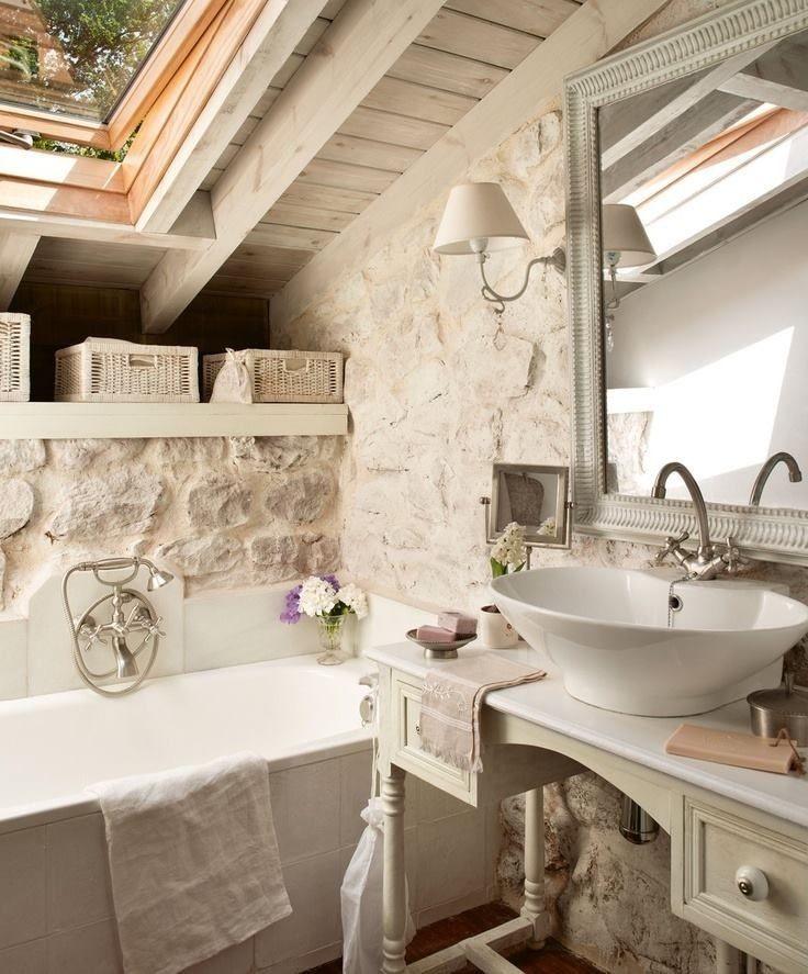 Le pareti interne in pietra sono perfette per lo stile rustico - Bagno shabby chic ikea ...