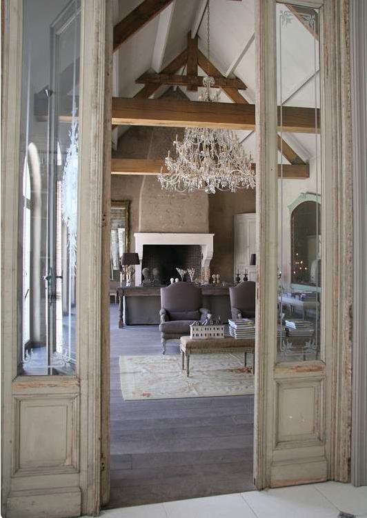 Scegli le porte in legno massello grezze per la tua casa