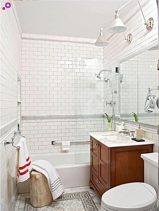 Per i rivestimenti nei bagni piccoli usa non solo le piastrelle - Piastrelle bianche bagno ...