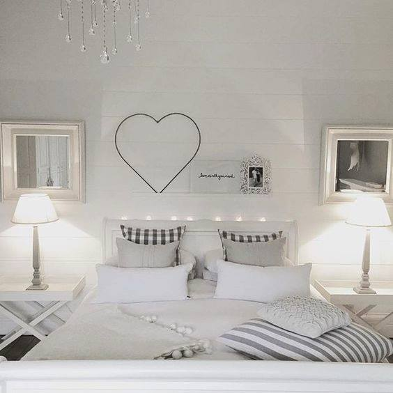 21 modi per arredare la camera da letto in stile shabby foto for Decorare stanza shabby