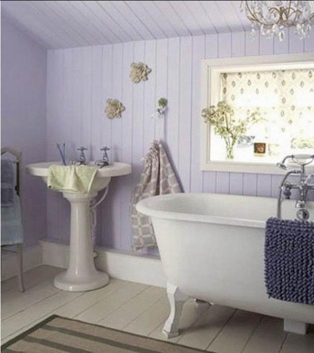Tappeti shabby chic in bagno: forme e colori