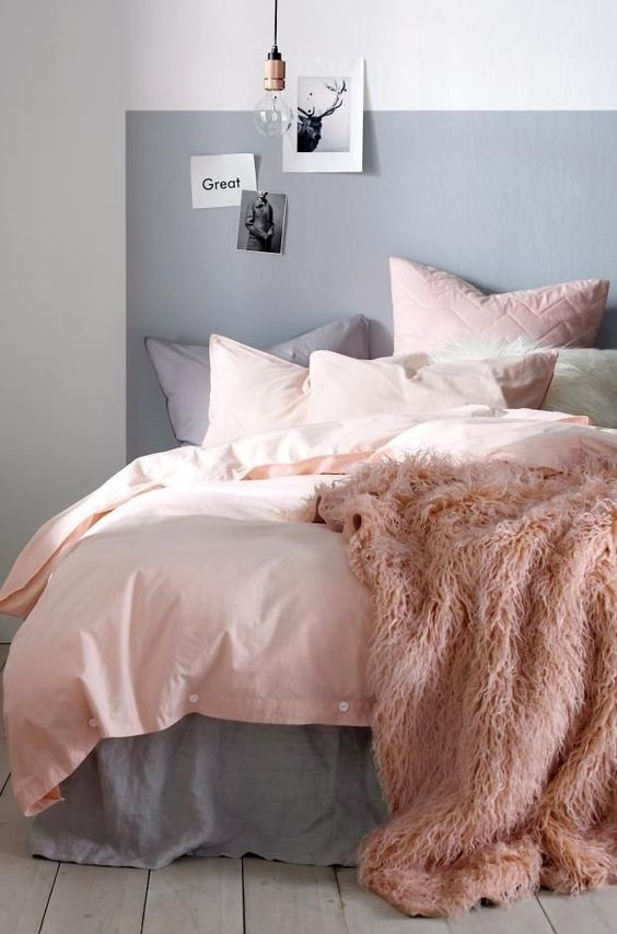 11 arredi in rosa e grigio che vorrai imitare subito gli - Parete testata letto dipinta ...