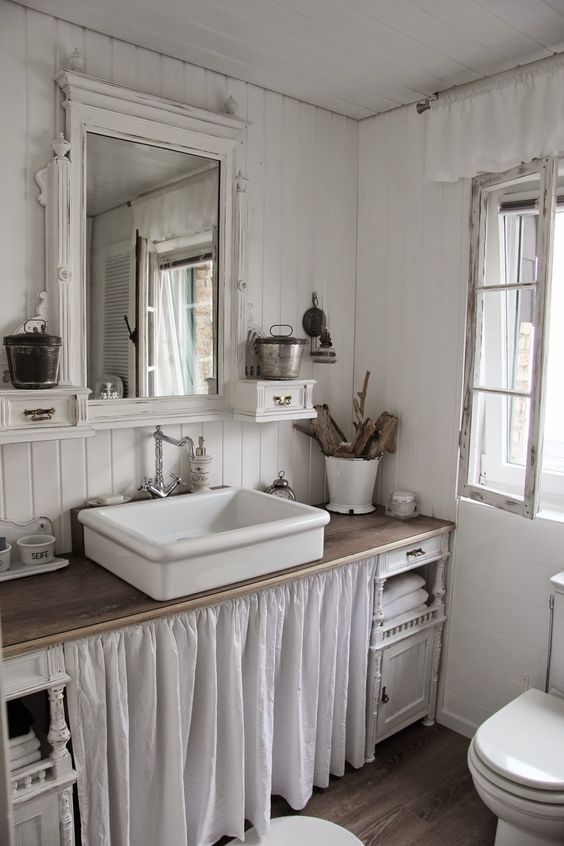 bagno con tendina bianco