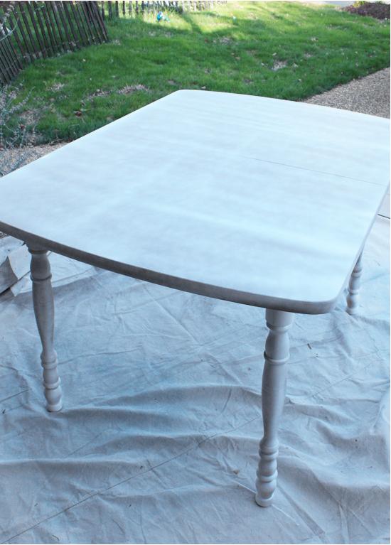 Come Dipingere Un Tavolo Di Plastica.Dipingere Sedie Di Legno