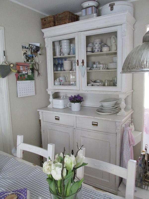 Casa shabby chic arredata con mobili ikea foto degli interni for Mobili shabby ikea