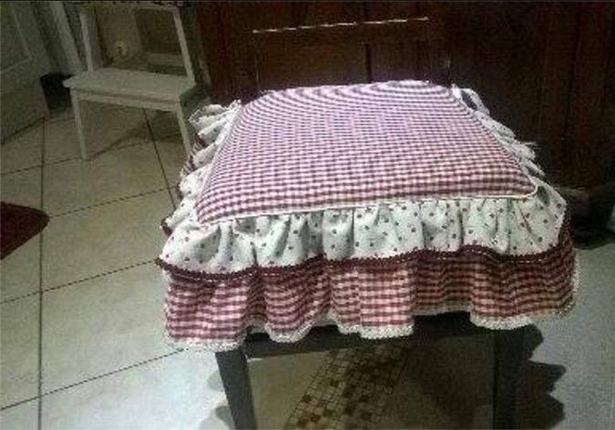 Come cucire i cuscini delle sedie in stile country chic