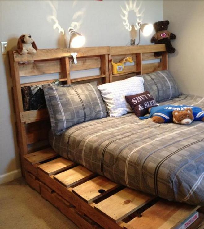 8 esempi di letto realizzati col pallet c 39 anche un for Bancali legno per arredare