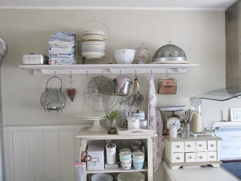 Casa shabby chic arredata con mobili ikea foto degli interni for Tutto casa mobili