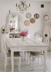 Mobili bianchi e legno: cucina