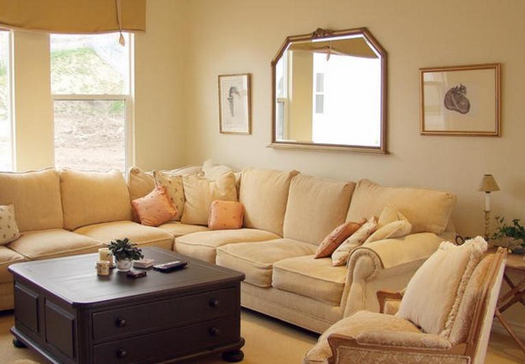 Le pareti color crema sono le pi adatte ad una casa shabby for Immagini di pareti colorate